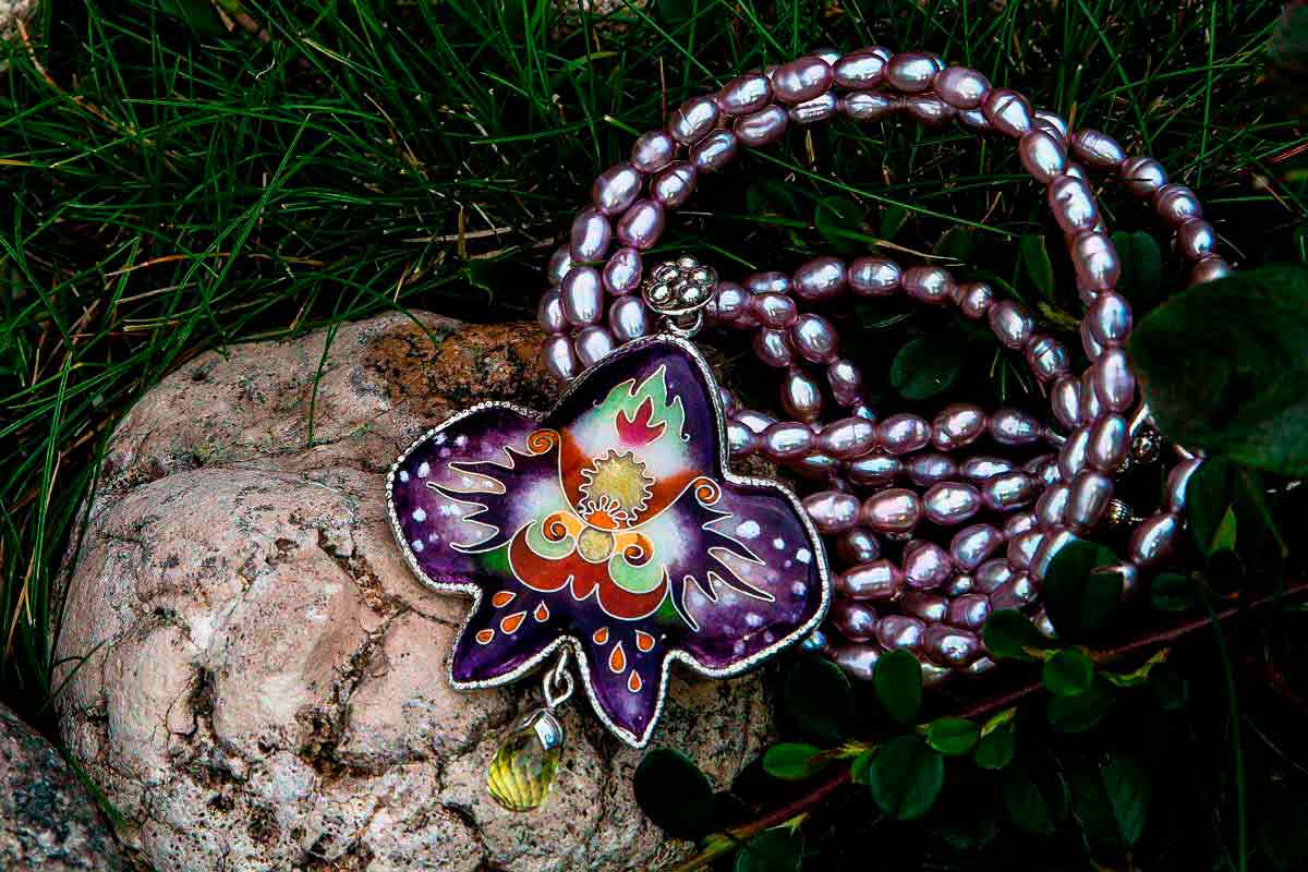 "NECKLACE ""ORCHID"""