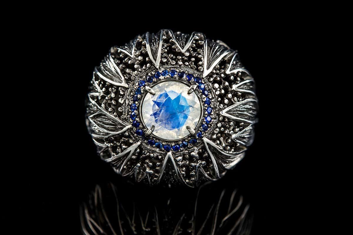 Omalgami Ring Flos Moonstone, Sapphires