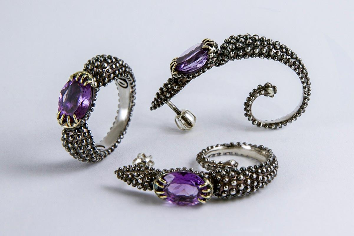 Omalgami earring- Scorpius