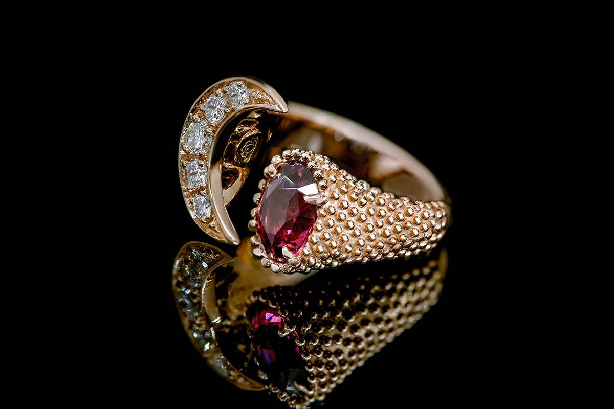 Moon-tale-omalgami-jeweler-RING-Fabula-Exclusive-Jewelry